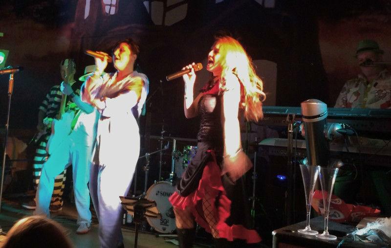 Beispiel: Partyband, Foto: Partyband Stagebreaker.