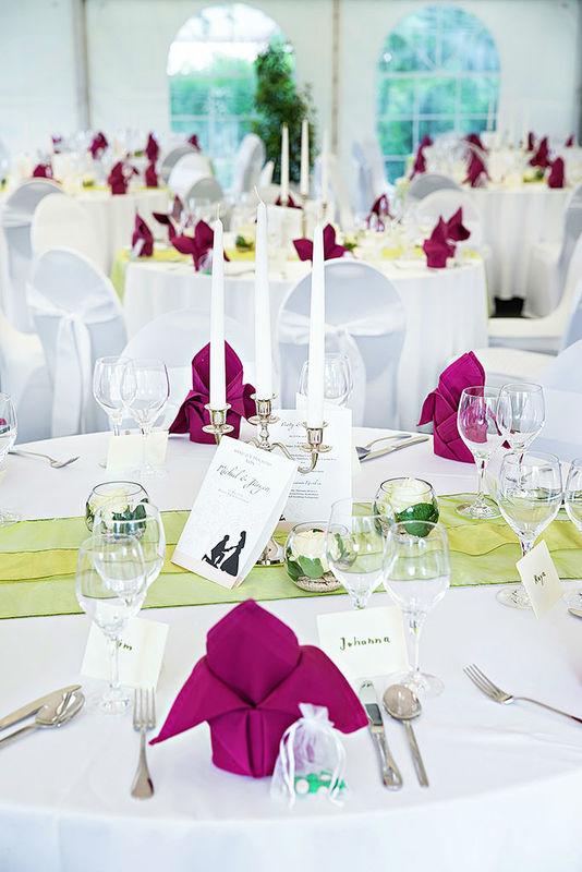 Beispiel: Liebevoll abgestimmte Dekoration, Foto: Romina Certa Weddings & Events.