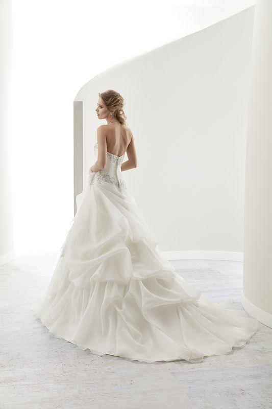 Kleid von Jolie Nicole Fashion Group