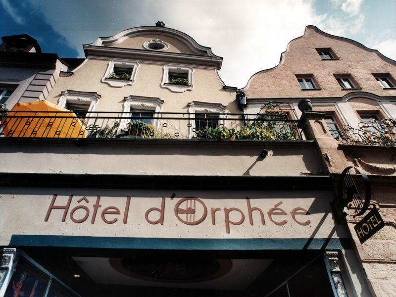 Beispiel: Fassade Kleines Haus, Foto: Orphée.