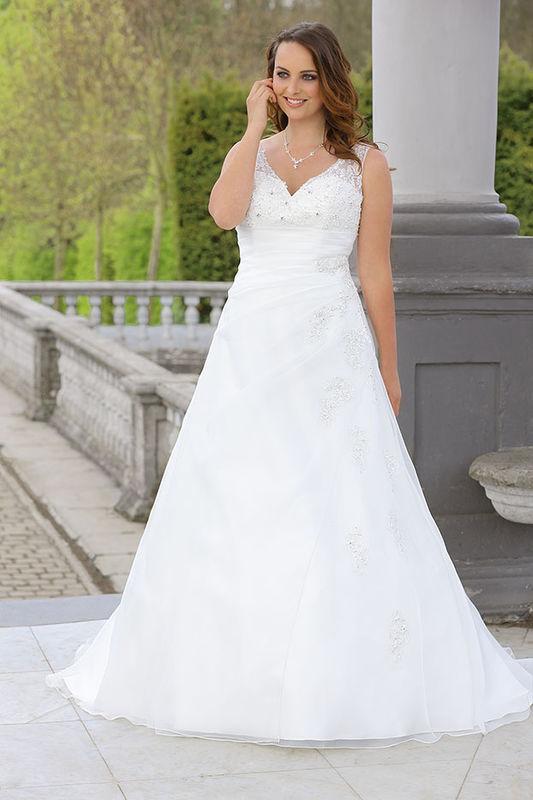 Beispiel: Brautmode für jeden Geschmack, Foto: Braut Atelier Blendel.