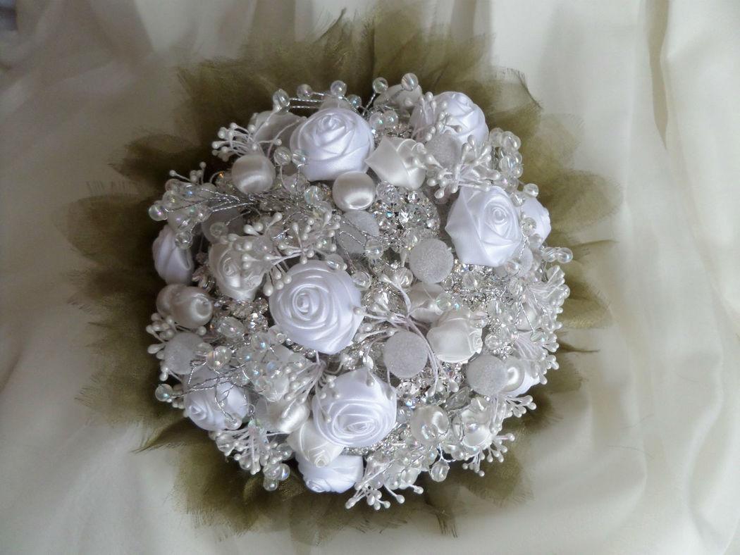 Bouquet con hojas de organza