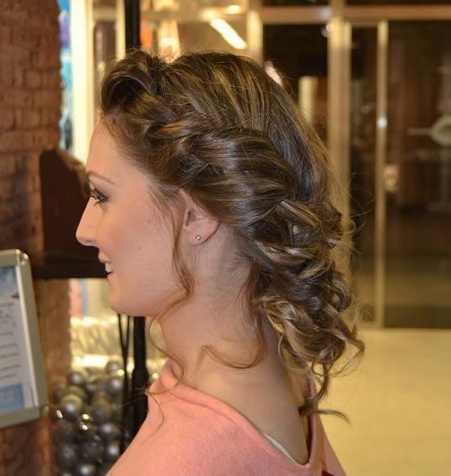 Pruebas en peinado, al final este es el más indicado para nuestra queridisima novia, nos encanta!!!