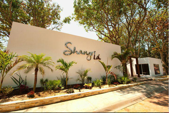 Acceso Shangri-Lá.