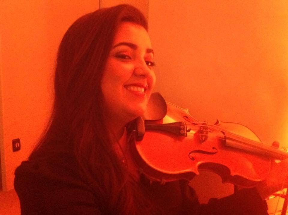 Nossa violinista,Acsa Fernandes .
