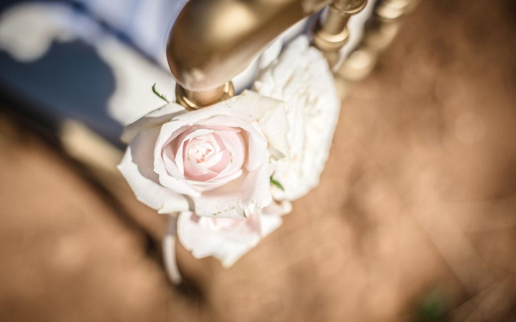 Segnaposto floreale con rosa