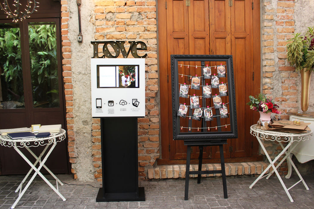 Mini Totem LOVE e varal de fotos - Impressão pela Hashtag