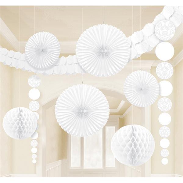 Articulos para decorar bodas: pompones de papel de seda, nido de abeja, farolillos, banderines... http://www.airedefiesta.com/list/825/0/2/1/1/DECORACION-BODA.htm