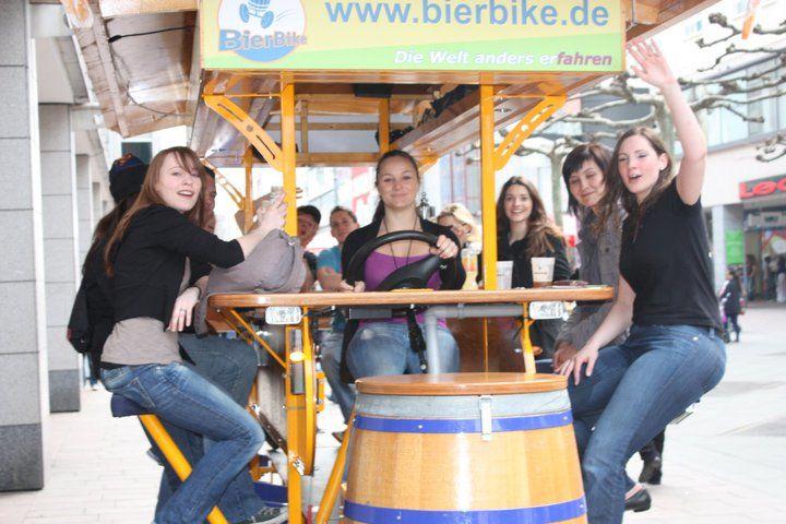 Beispiel: Rundfahrt mit dem BierBike, Foto: BierBike Saarland.