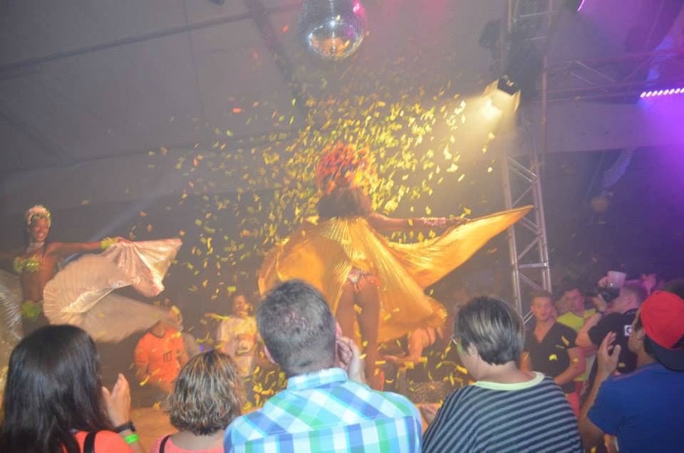 Beispiel: Show, Foto: Brazuca Samba.