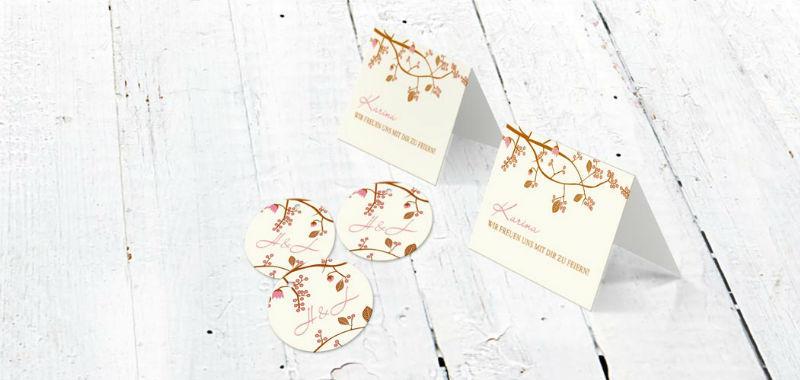 Beispiel: Tischkarten Kirschblüten, Foto: Paper Boutique.