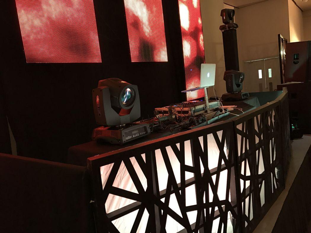 DJ Omar Meneses