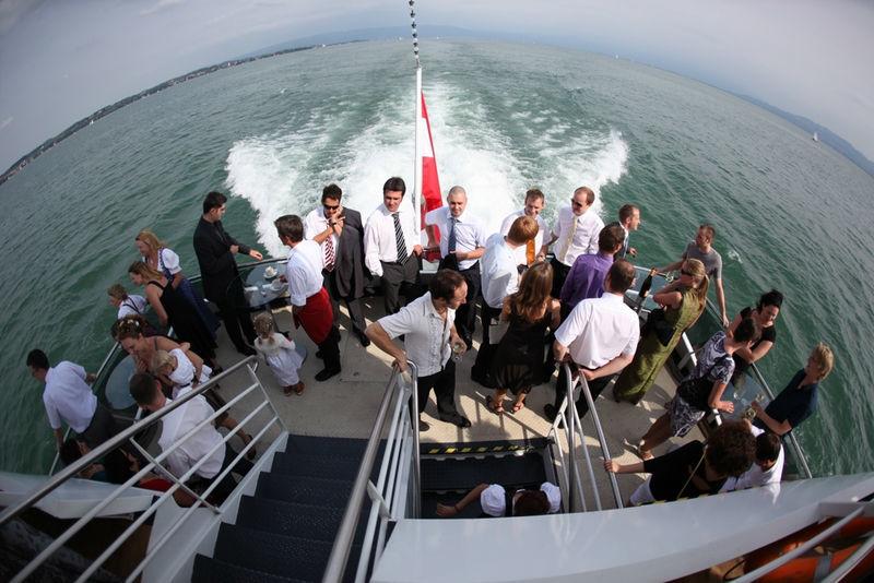 Beispiel: Hochzeitsgesellschaft an Deck, Foto: Bodenseeschifffahrt.