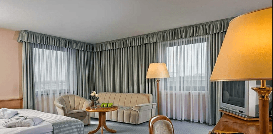 Beispiel: Zimmer, Foto: Maritim Hotel Magdeburg.