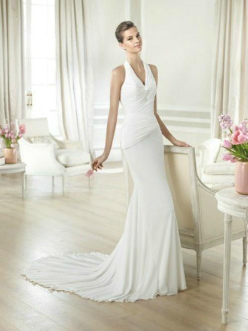 Beispiel: Brautkleid von White One, Foto: PETRA PABST Braut- und Abendmode.