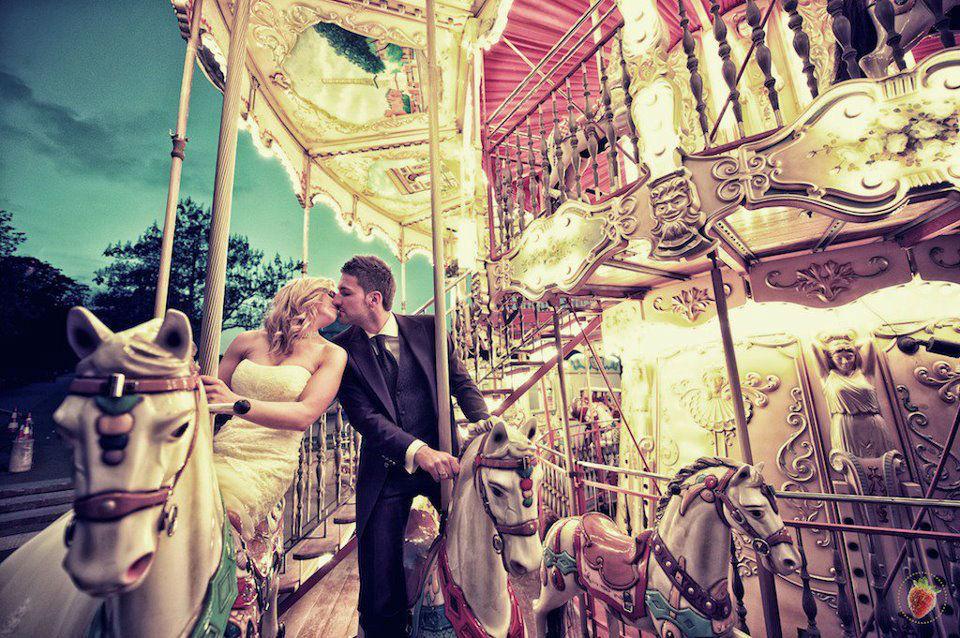 Beispiel: Wunderschöne Hochzeitsfotos, Foto: Erdbeerkunst Hochzeitsfotografie.