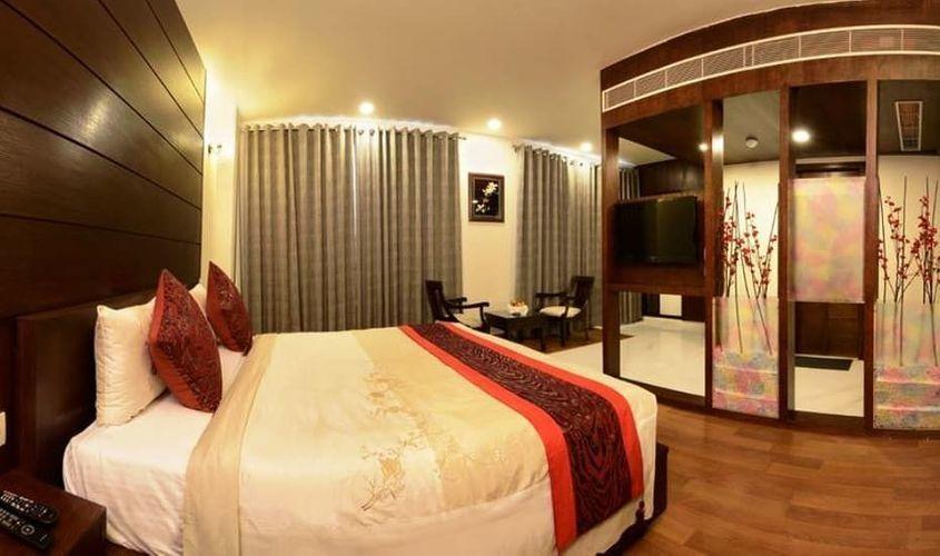Hotel Atulyaa Taj