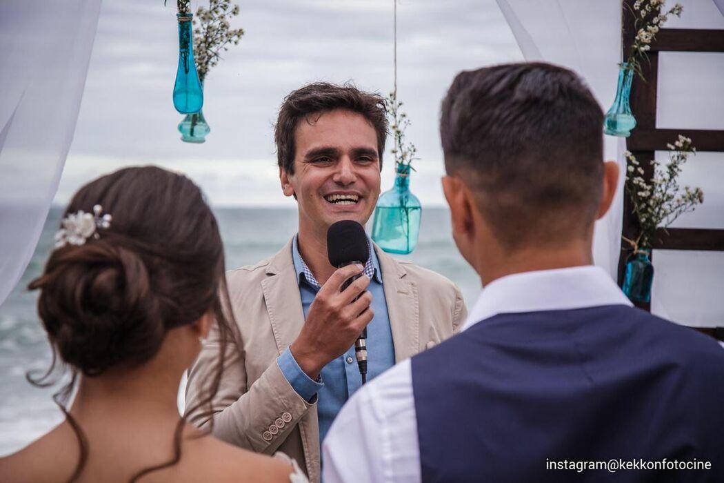 Celebrante Daniel Santos