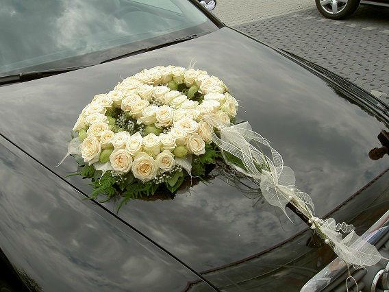 Beispiel: Dekoration für Ihr Hochzeitauto, Foto: Die-Erlebnishochzeit.de.