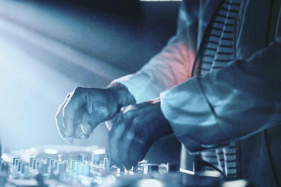 DJ Papagaio