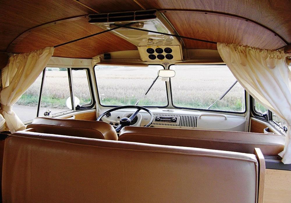 Beispiel: VW T1 Bus Innenansicht, Foto: Rent My Classic Car.