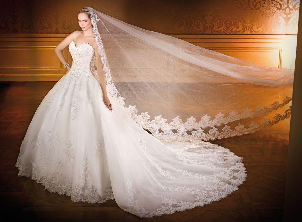 SENSATION traine amovible  ivoire ou blanc - collection Un jour, une mariée