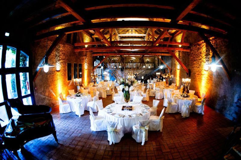 Beispiel: Hofscheune Hochzeitsgedeck, Foto: Hofgut von Hünersdorff.