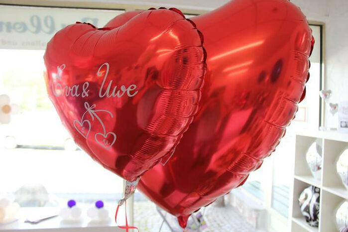Beispiel: Hochzeitsballons, Foto: Airmotion - Ihr Ballonshop.