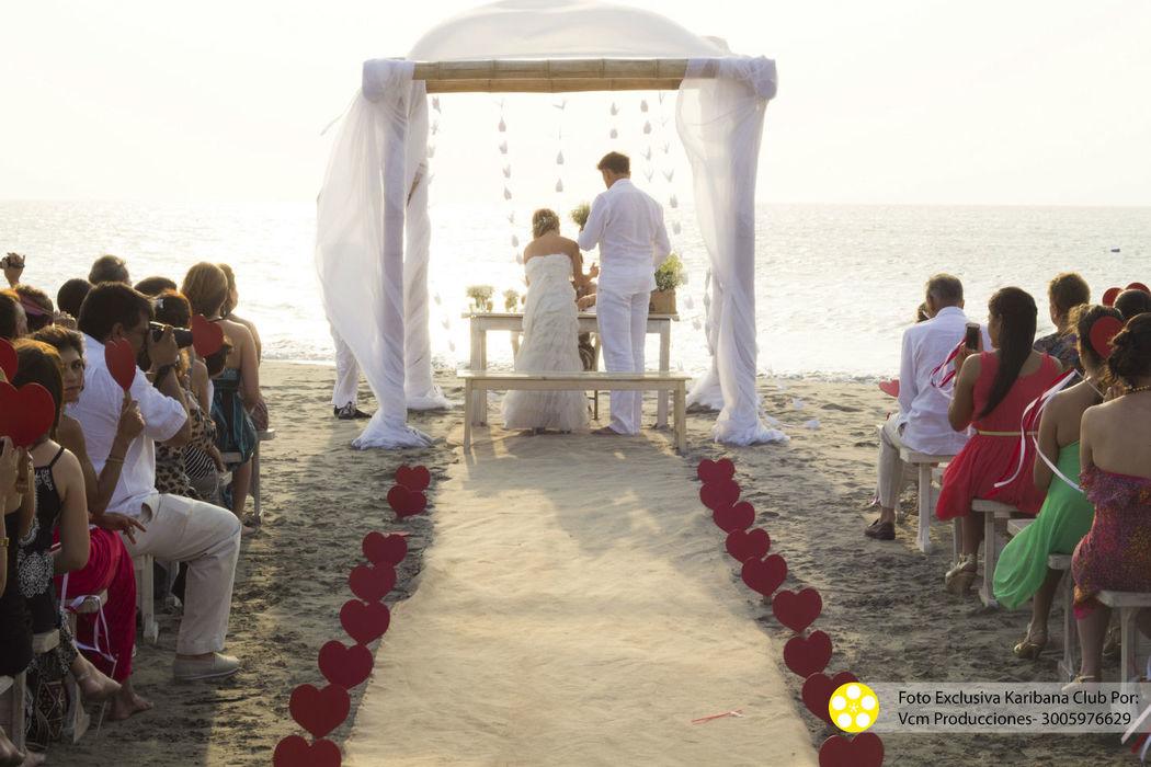 Ceremonias religiosas o civiles frente al mar