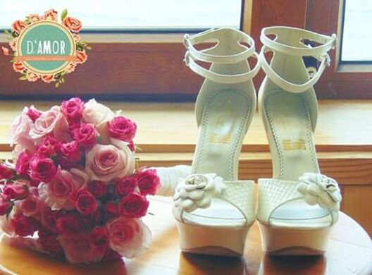 Ramo de novia, Rosas rosadas y mini rosas fucsias.