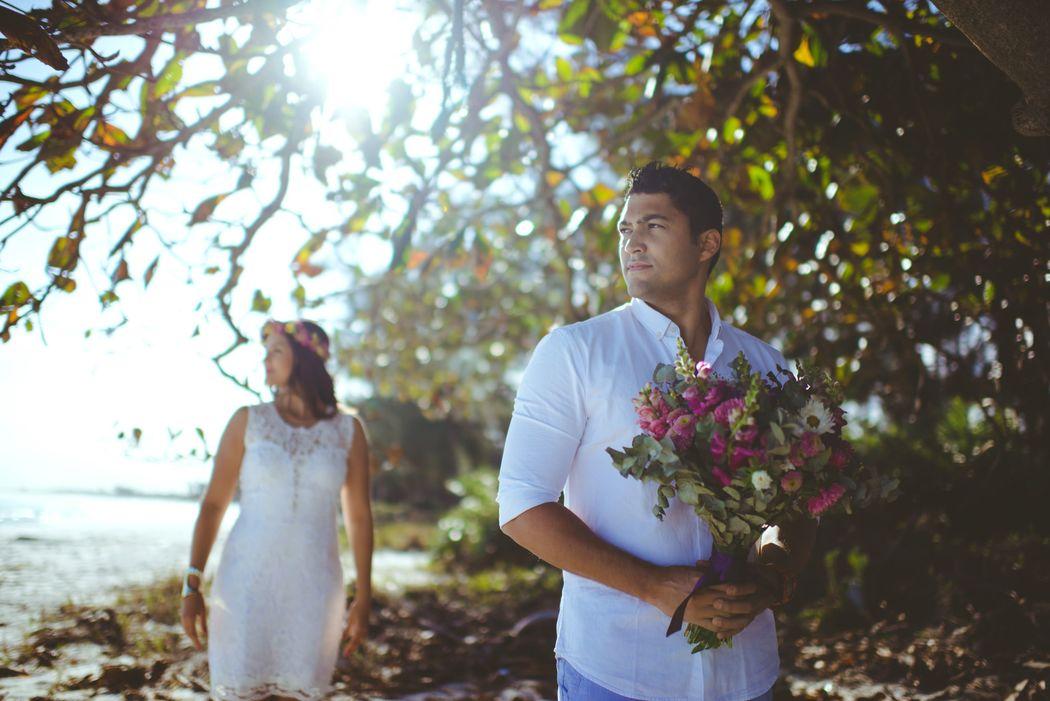 noivo com o bouquet