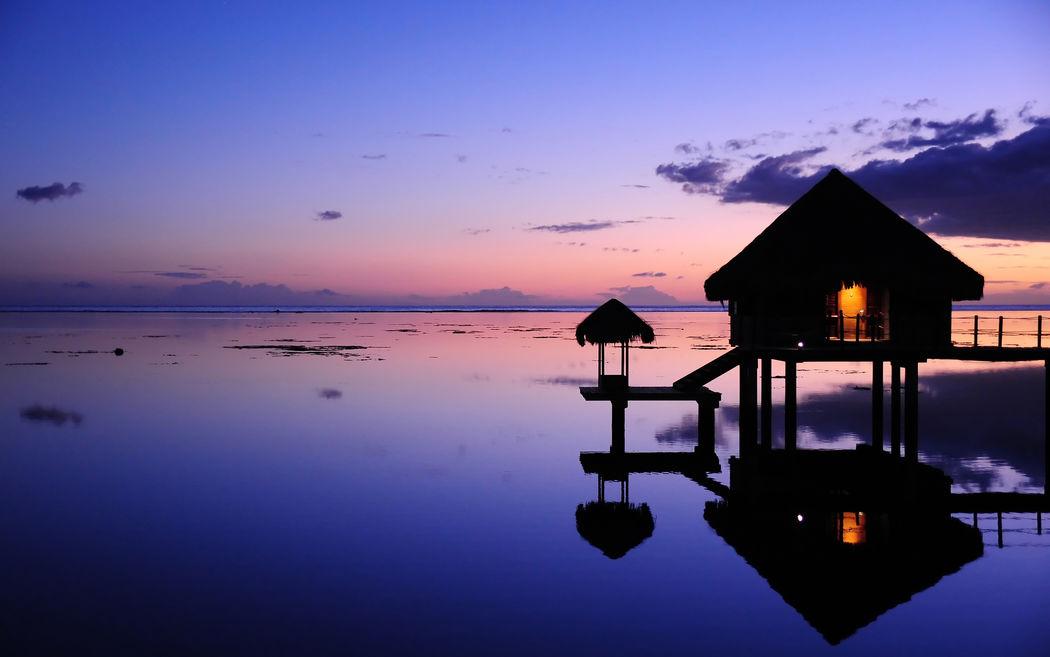 Fantastique coucher de soleil de votre pilotis à Bora Bora