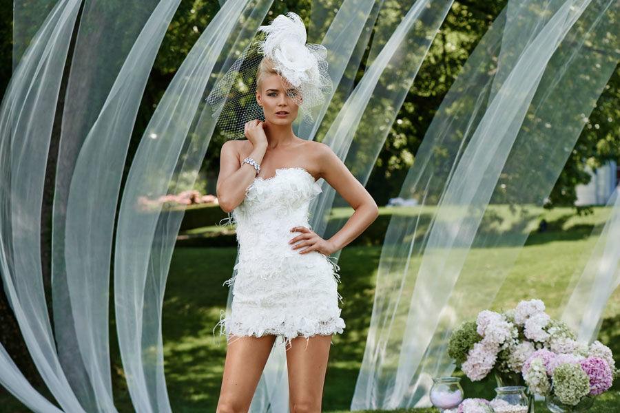 Beispiel: Kurzes Hochzeitskleid, Foto: Mery's Couture Bern.