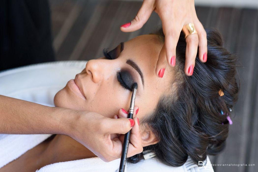 Jeane Santos Makeup & Hair Artist. Foto: Décio Viana Fotografia