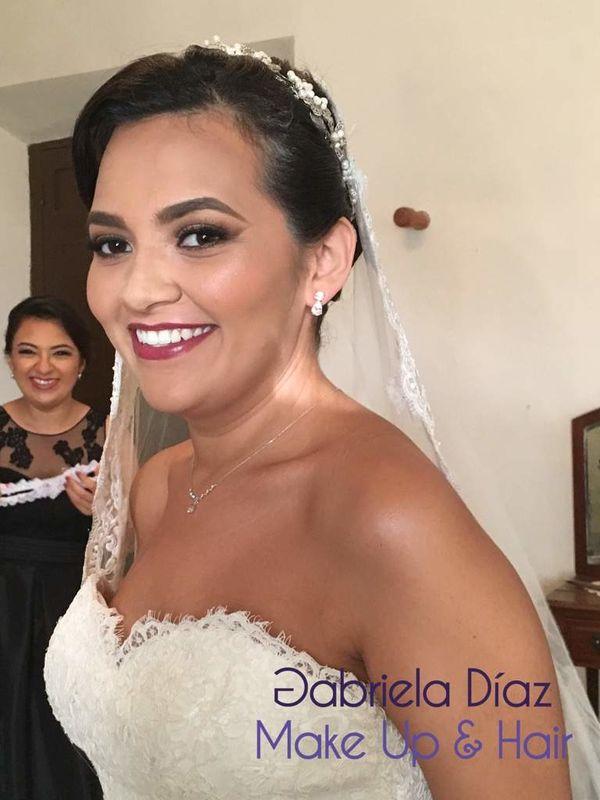 Gabriela Díaz Make Up and Hair