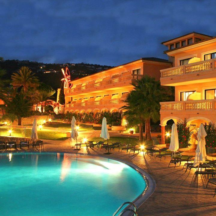 Mon Port Hotel