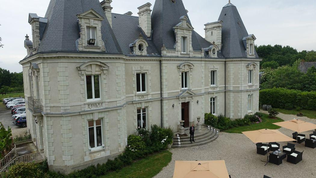 Château le  Saz , vu d'un drone,  le château se situ à 15 minutes du centre ville de Nantes