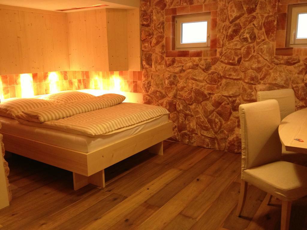 Beispiel: Zimmer, Foto: Bio Hotel Bayerischer Wirt.