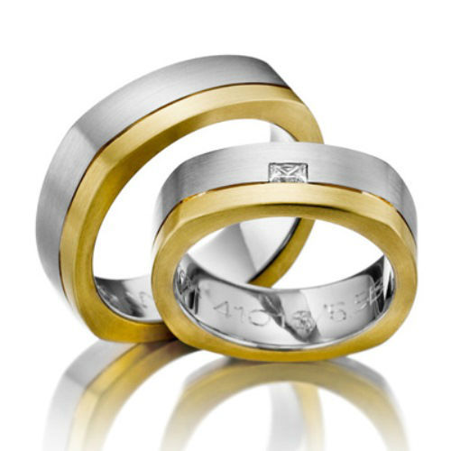Beispiel: Mehrfarbige Ringe, Foto: Trauring-Studio Dobler-Strehle.