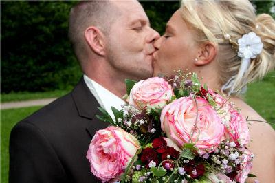 Beispiel: Alles für die Hochzeit, Foto: 4 Seasons Floristik.
