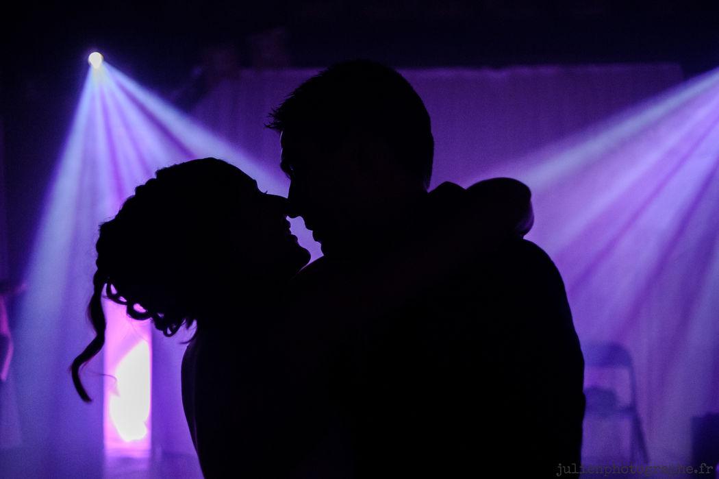 Ouverture de bal sublimée par nos projecteurs | Tsl Evenement | www.tsl-evenement.fr