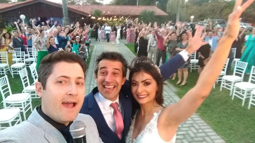 Igor Bertolini Celebrante Social