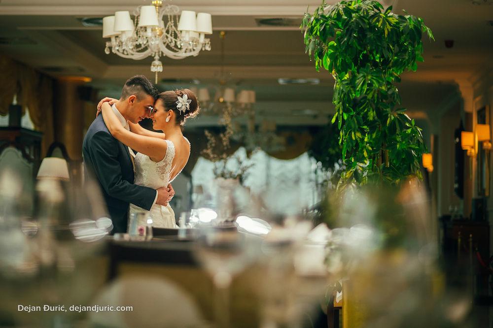 Beispiel: Portrait des Brautpaares, Foto: Dejan Djuric photography.
