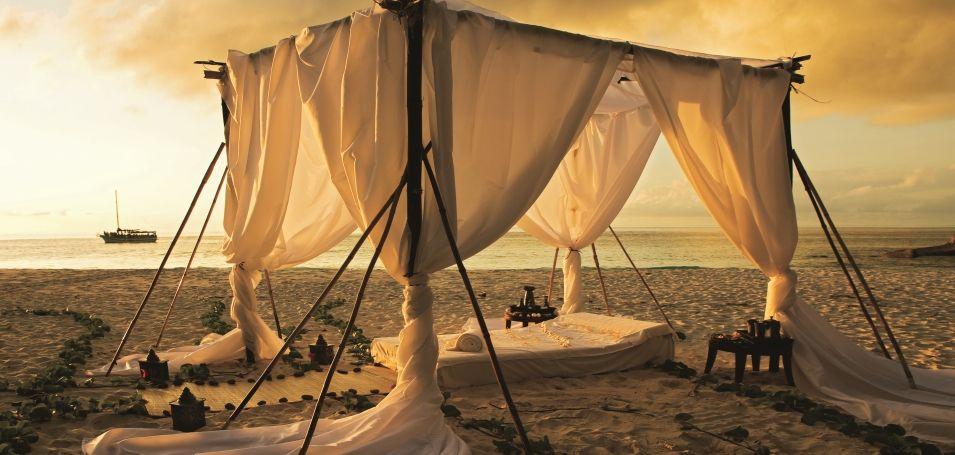 Romantische Stunden bei Sonnenuntergang, Seychellen - Constance Lémuria