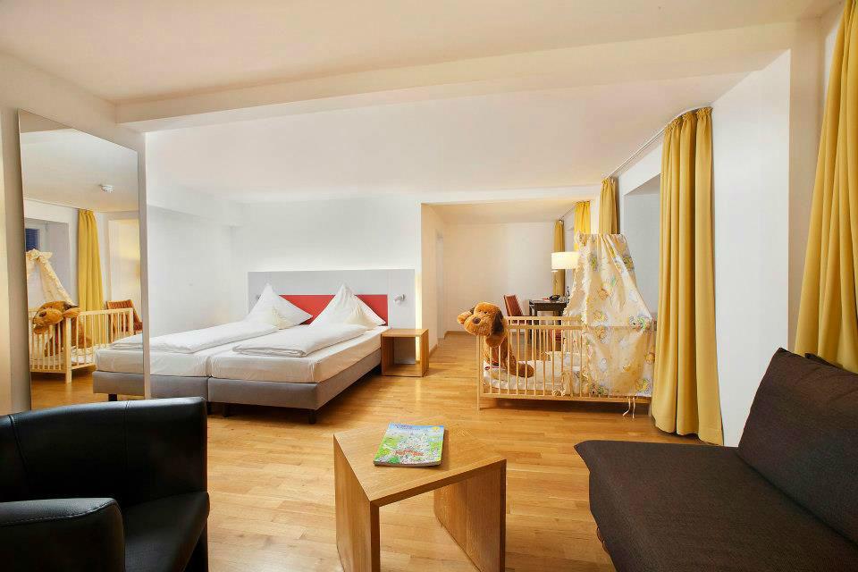 Beispiel: Familienzimmer, Foto: AKZENT Brauerei Hotel Hirsch.
