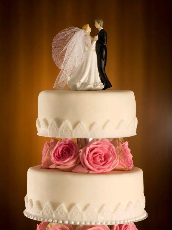 Beispiel: Hochzeitstorte hergestellt von der hauseigenen Patisserie, Foto: Park Hyatt Zürich Hotel.