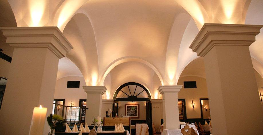 Beispiel: Restaurant, Foto: Gutshof Menterschwaige.