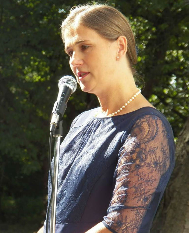 Beispiel: Die Hochzeitsrednerin, Foto: Rederei Kathrin Wenzel.