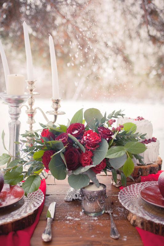 зимняя свадьба, сервировка стола, красный, флористика