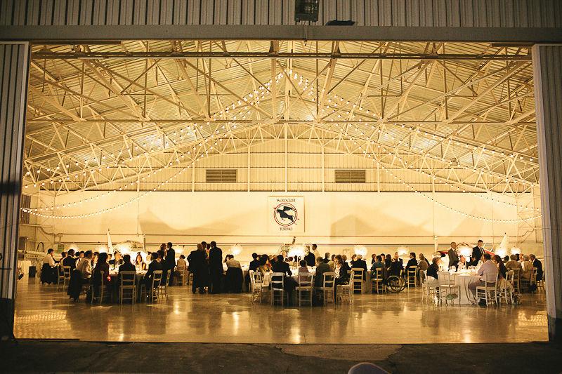 Hangar wedding, ricevimento. Photo@IglooPhoto Wedding Design&Planning@THAT DAY di Monica Ferraris